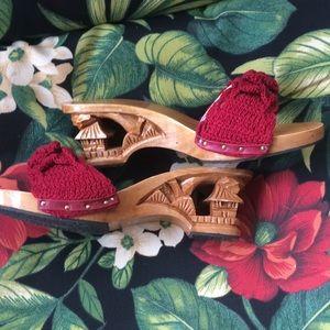 Shoes - Vintage sandals/slides marked size 7!